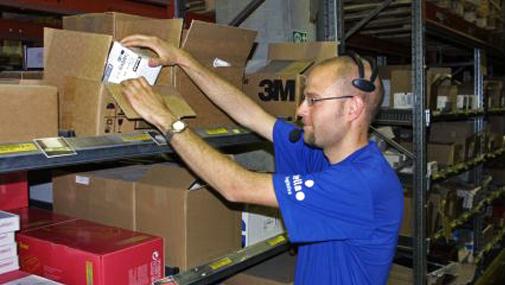 Puheohjausratkaisu on otettu tyytyväisenä vastaan Itella Logisticsin Voutilan varastossa.